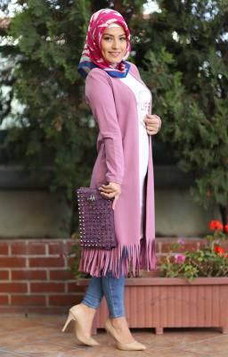 283d06f556c76 Her Alanda Aktif Tesettürlü Hanımlara Modern Tesettür Elbise Modelleri