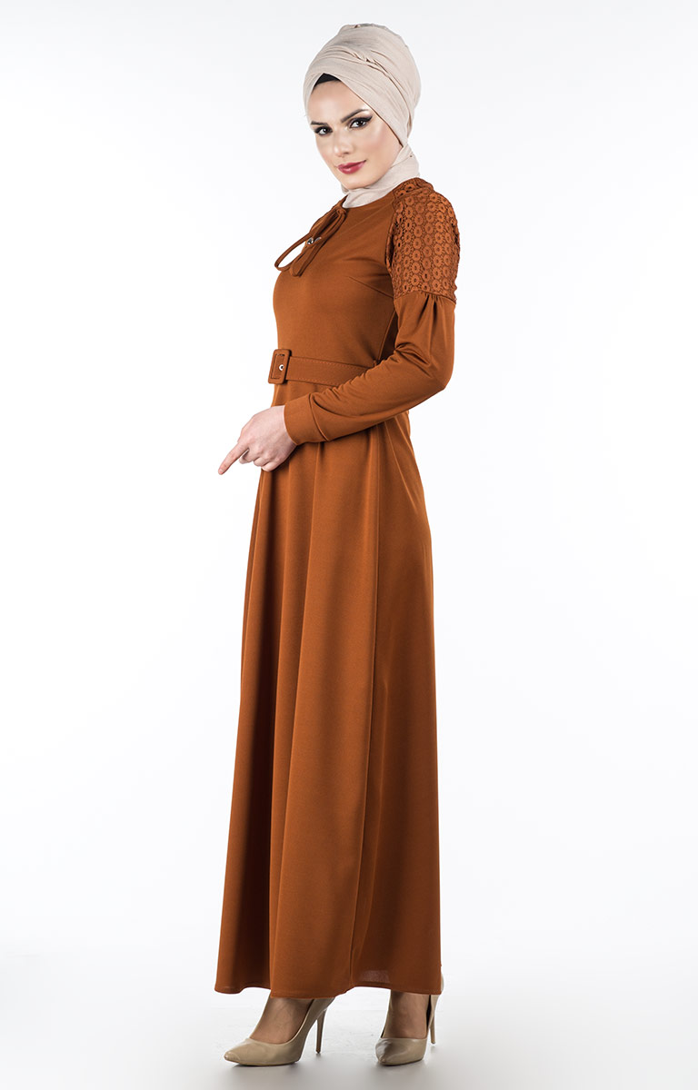 7fa7640cc83c3 Yılın En Trend Tesettür Elbise Tasarımları Hangileri Olacak?