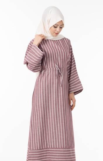 952fdce5c5189 En Trend Elbise Modelleri Nasıl Kombinlenmelidir?